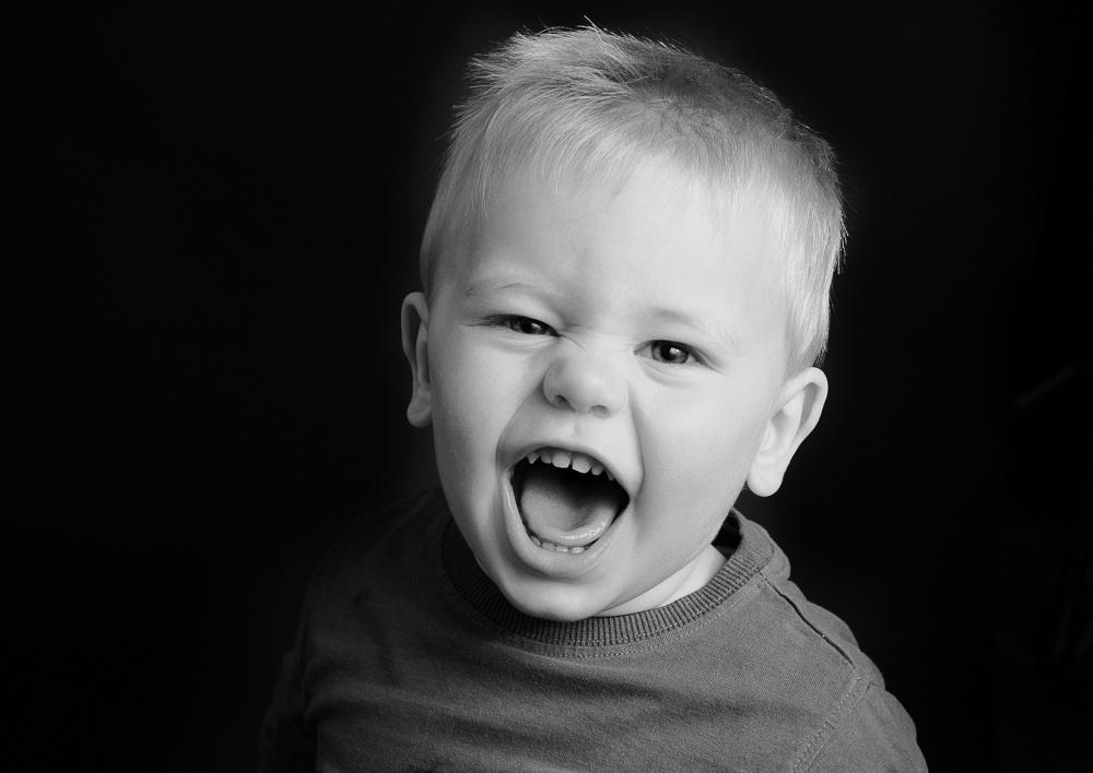 Portrait Noir.  Beautiful black & white childrens photography.