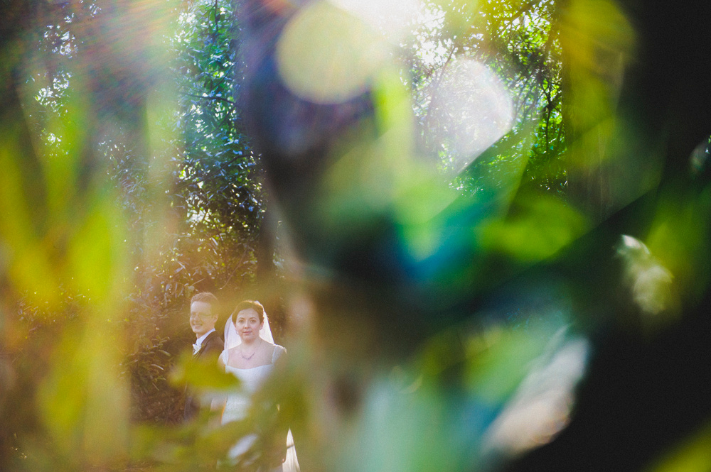 Alternative wedding photography, couple at Hedsor House